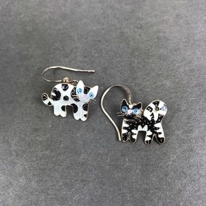 Vintage enamel black white cat earrings